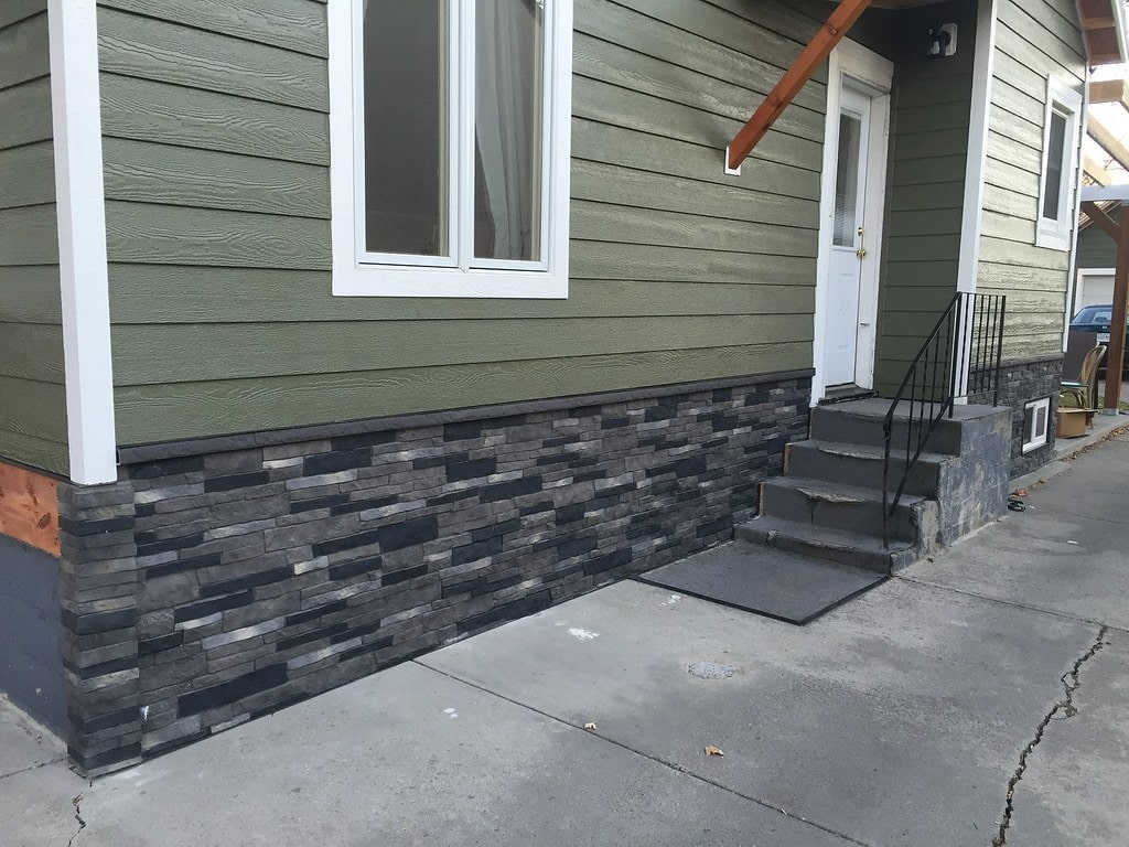 what is stone veneer accent wall